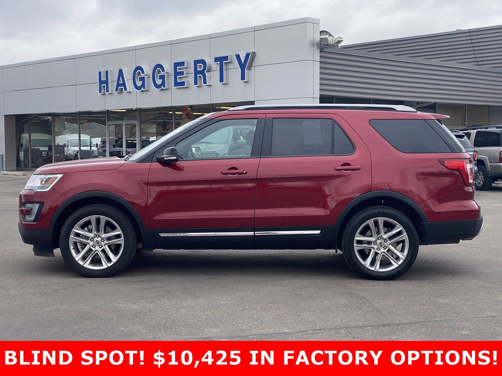 Certified Pre-Owned 2017 Ford Explorer XLT 4WD
