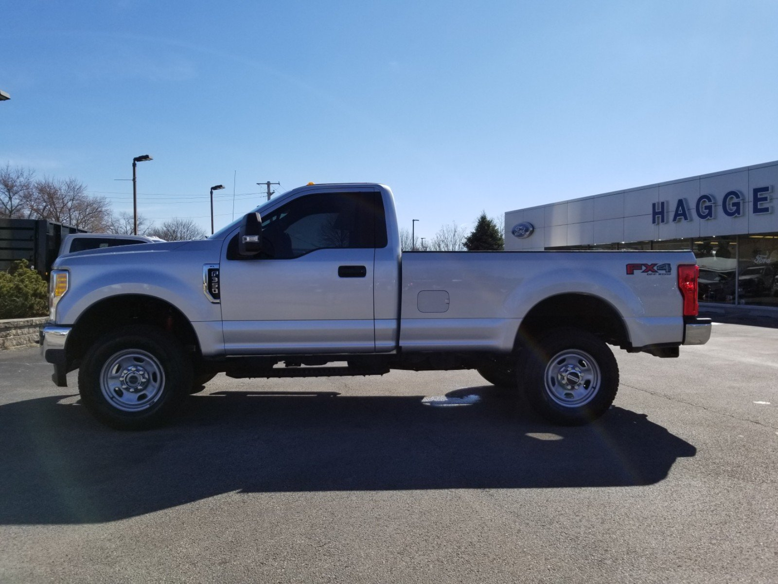 Certified Pre-Owned 2017 Ford Super Duty F-350 SRW XL 4WD