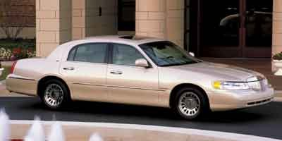 Pre-Owned 2002 Lincoln Town Car Sig. Prem.