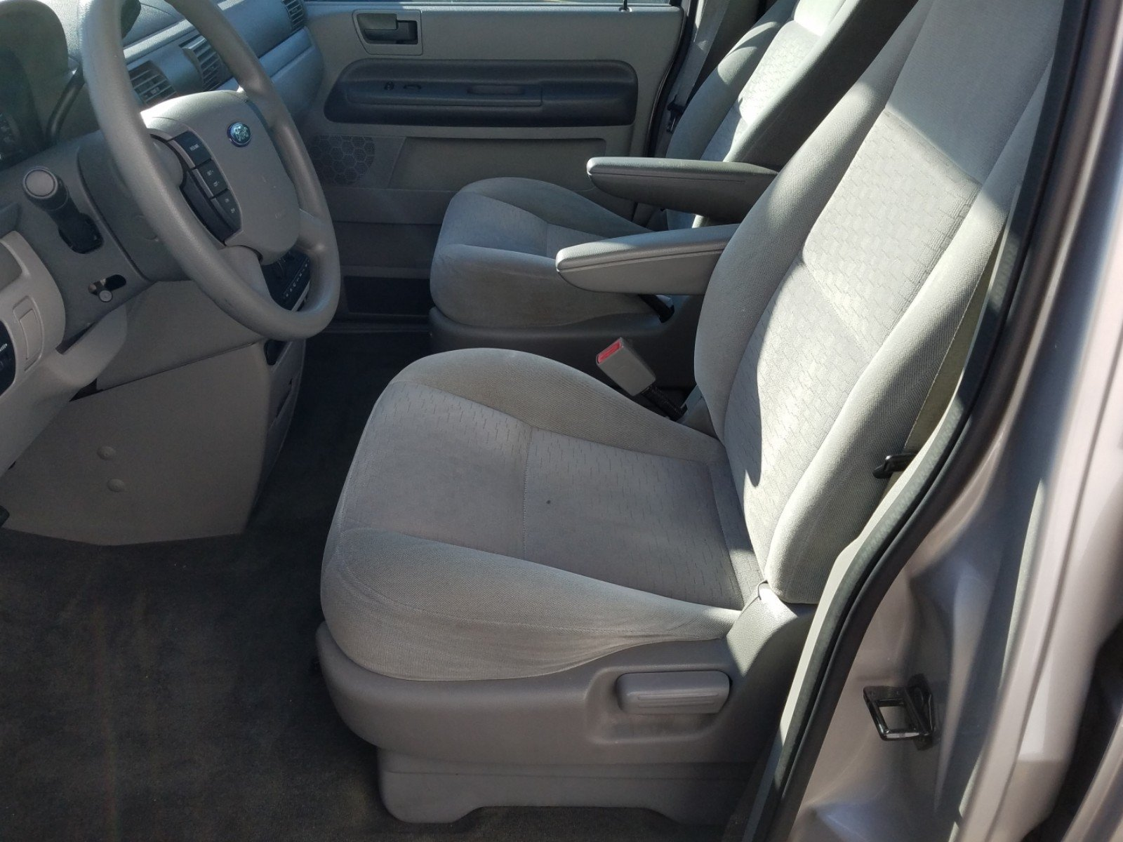 Pre-Owned 2004 Ford Freestar Wagon SE