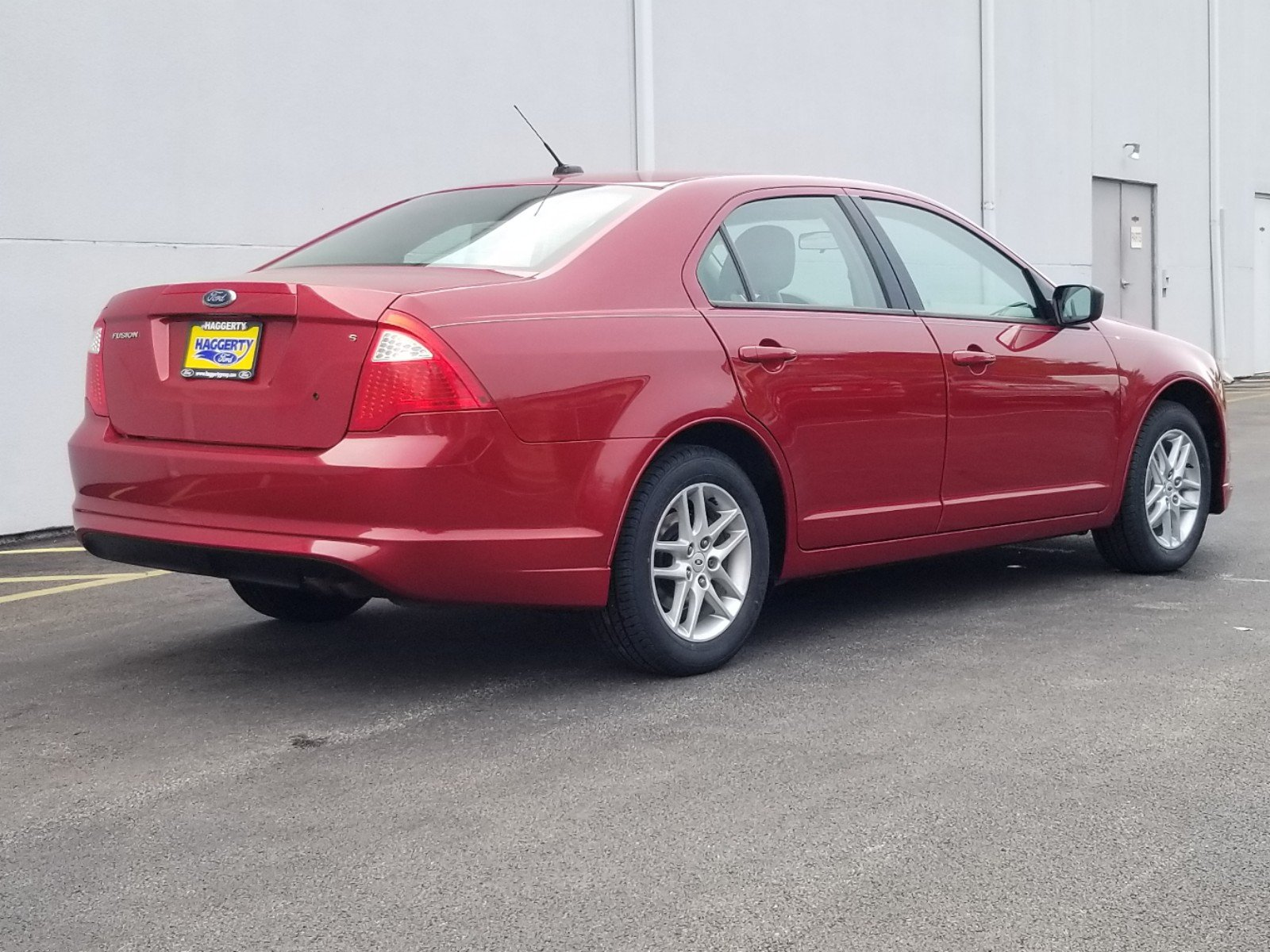 Pre-Owned 2010 Ford Fusion S